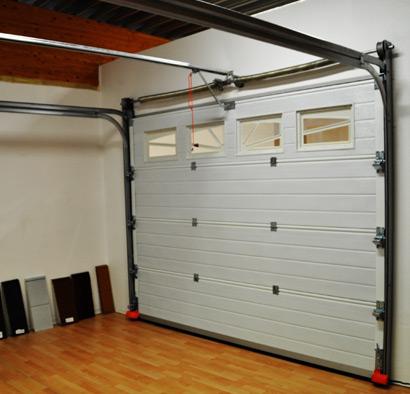 Porte de garage sur mesure sectionnelle ou enroulable prix bas - Montage porte de garage ...